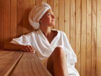 Schwitzen in der Sauna