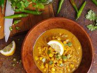 Scharfe Mais-Zwiebel-Suppe