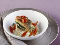 Schleie mit sahnigem Kohlrabi-Gemüse und Paprika