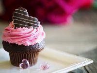 Schokocupcake mit Rosen-Buttercreme
