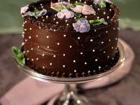Schokoladentorte mit Zuckerblüten