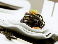 Schwarze Linguine mit Kaviar