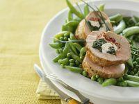 Schweinefilet mit Spinatfüllung und Gemüse