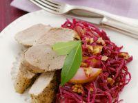 Schweinelende mit Birnen-Blaukraut-Salat