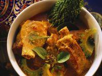Schweinerippen in exotischer Currysauce