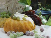Sherry-Gugelhupf mit Trauben