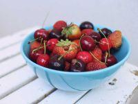 Sommerfrüchte gesund_Schale mit Früchten