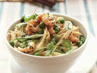 Spaghetti mit Garnelen, Ingwer und Erbsen