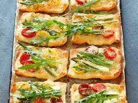 Spargel-Tomaten-Tarteletts