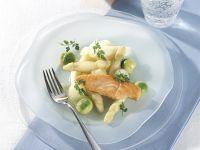 Spargelsalat mit gegrilltem Lachs