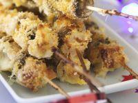 Spieße mit Mozzarella-Pilzen