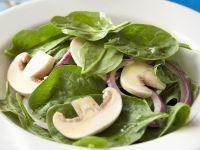 Spinat-Champignon-Salat