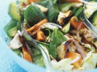Spinat-Papayasalat mit Hähnchen