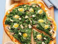 Spinat-Pizza mit Ei