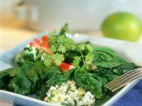 Spinatsalat mit Feta und Garnelen