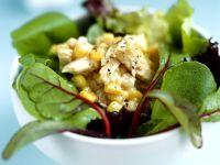 Spinatsalat mit geschmolzenem Käse