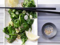 Spinatsalat mit Sesam