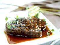 Steak in Honig-Portweinsauce