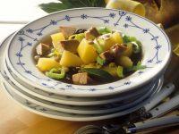 Suppe mit Steckrübe und Gänsefleisch