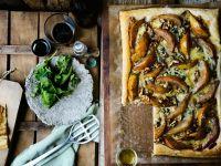 Tarte mit Birne, Gorgonzola und Nüssen