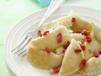 Teigtaschen mit Hüttenkäse-Kartoffel-Füllung