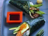 Temaki-Sushi mit Spargel