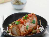 Thunfisch mit Tomatensoße und Kapern