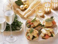 Toasts mit Hähnchen, Spargel und Orangen