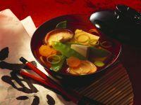 Tofu-Suppe mit Gemüse