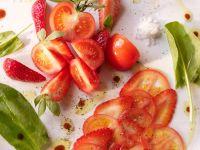 Tomaten-Erdbeersalat