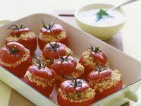 Tomaten mit Couscous-Füllung