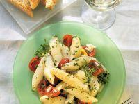 Tomaten-Spargel-Salat mit frischer Kresse