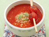 Tomatensuppe mit Reis und Zitronengras