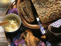 Tontopf-Brot