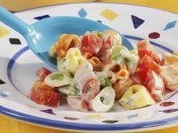 Tortellinisalat mit Gemüse und Fleischwurst