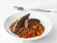 Wagyu-Bratwurst mit Gemüse