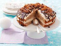 Walnuss-Kaffee-Torte mit Schokolade