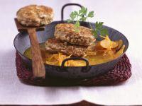 Walnuss-Tofu-Bratlinge mit Karottengemüse