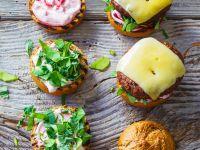 Wild-Burger mit Kräutern