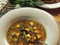 Wildsuppe mit Toastecken