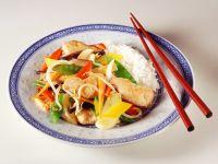 Wokgemüse mit Putenbrust und Reis