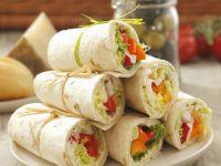Wraps mit Paprika-Radieschen-Füllung