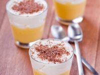Zitronencreme mit Sahne und Schokoraspeln