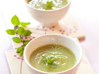 Zucchini-Minz-Suppe