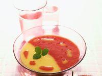 Zweifarbige Fruchtsuppe