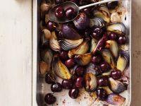 Zwiebel-Kirsch-Gemüse aus dem Ofen