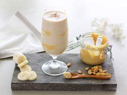 Erdnussmus-Bananen-Shake