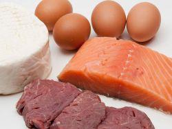 EAT SMARTER hat die wichtigsten Nahrungsmittel in einer Cholesterinwerte-Tabelle zusammengefasst