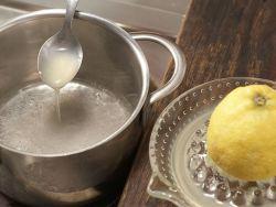 Kandieren: Obst mit Zuckersirup überziehen.