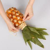 schoko ananas sektflasche basteln eat smarter. Black Bedroom Furniture Sets. Home Design Ideas